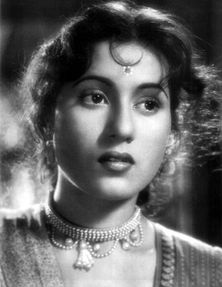 Hema malini many images and info of actresses from kerala for Old indian actress photos