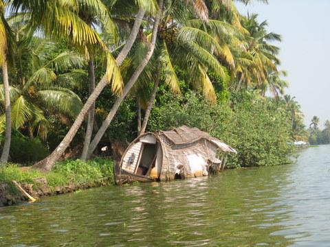 houseboat sinking