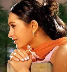 Karishma Kapoor12